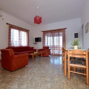 red-villa-samos-2015-04