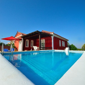 red-villa-samos-08